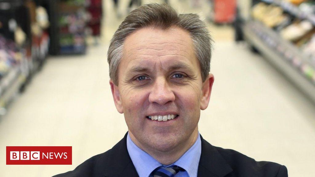 Sainsbury's ex-boss buys into grocery app market