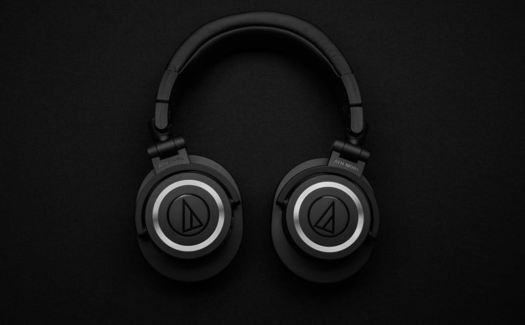 Wired vs Wireless Gaming Headset | Use Our Detailed Guide To Make The Right Choice