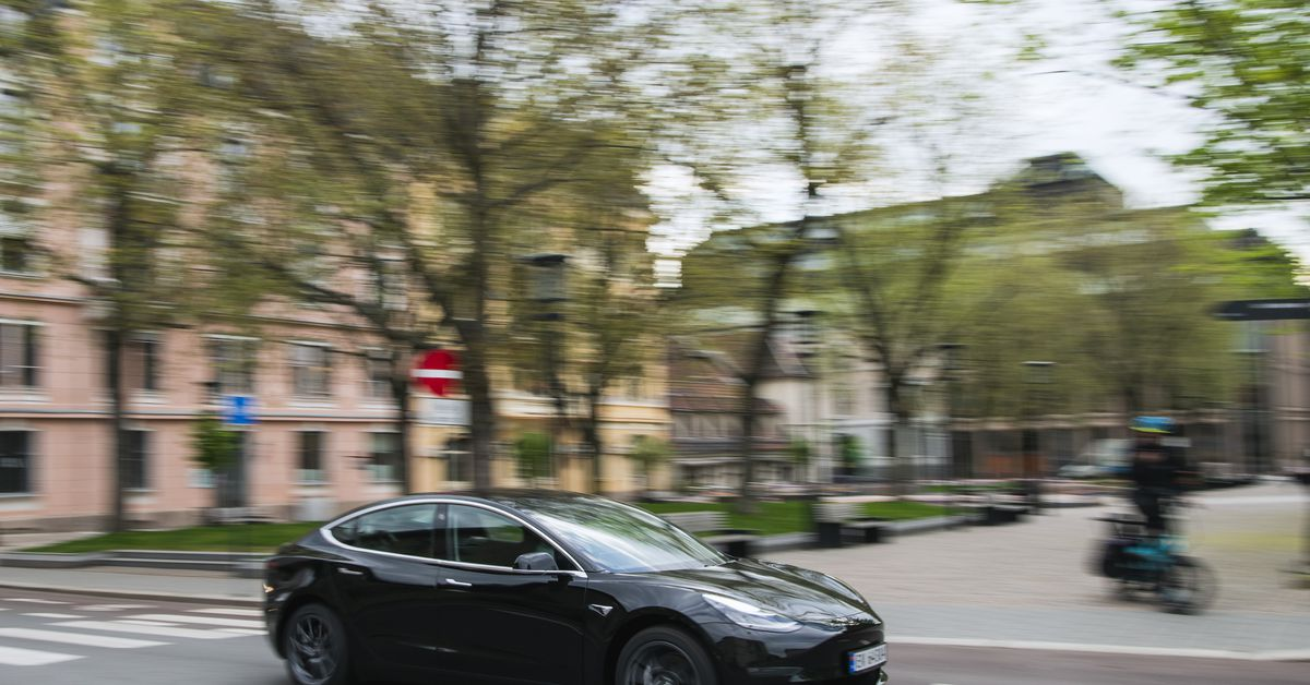 In Norway, Tesla will receive a huge fine for strangling the battery charging speed