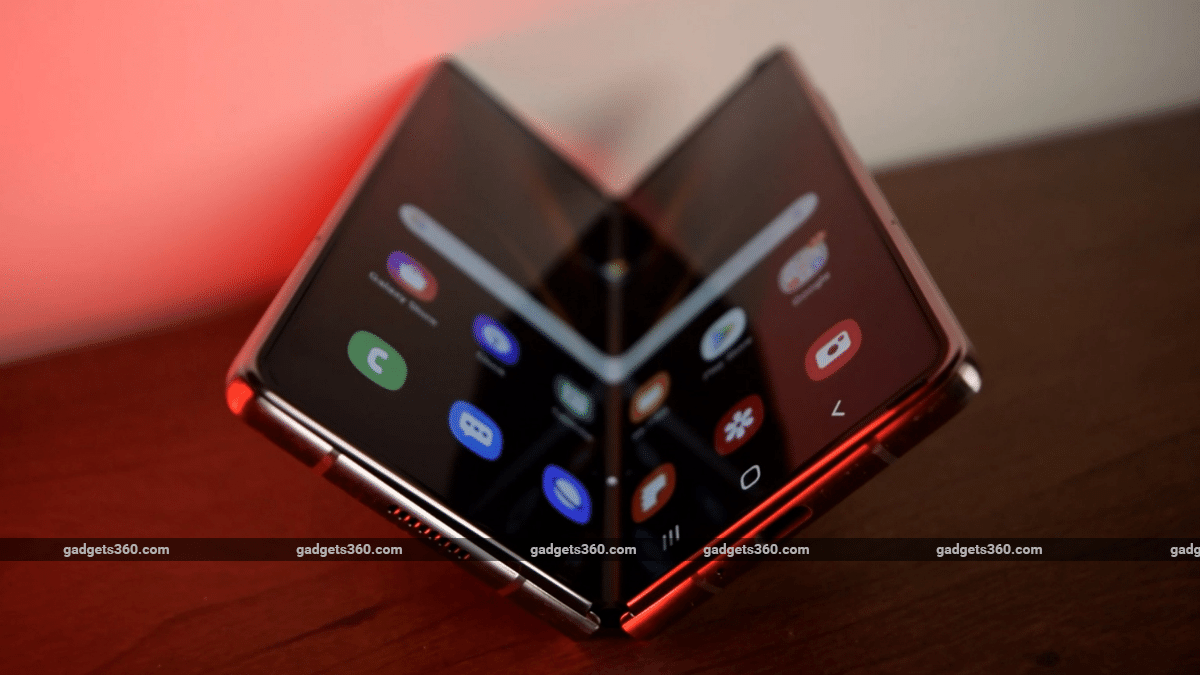 Samsung Galaxy Z Fold 3, Galaxy Z Flip 2 Details Surface, Battery Capacity, IP Rating Tilted