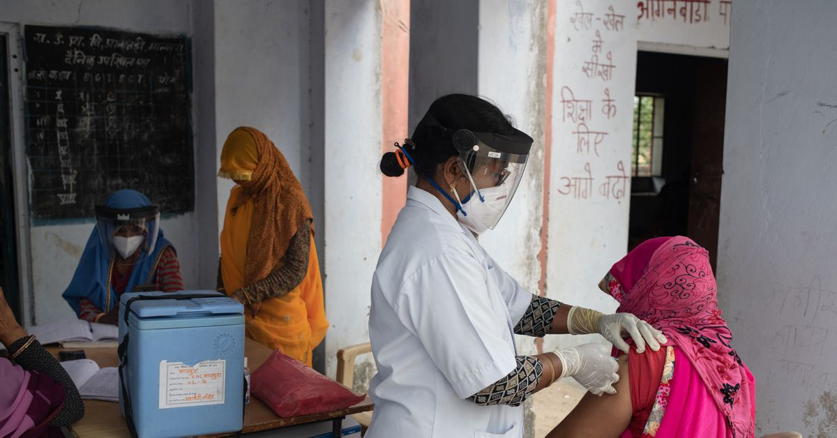Abandoning vaccination alone will not solve India's vaccine crisis