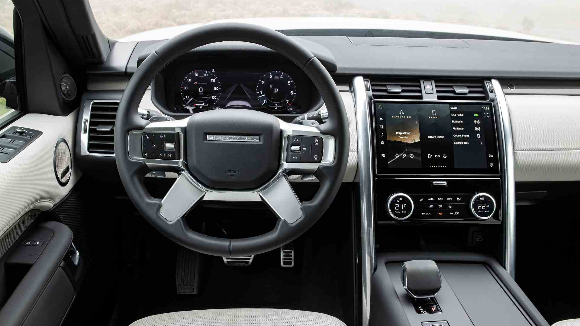 The 11.4-inch Pivi Pro infotainment system is new to the 2021 Land Rover Discovery.  Photo: Land Rover
