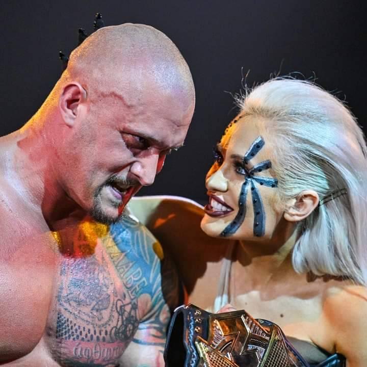 WWE Women Facebook, Facebook photos