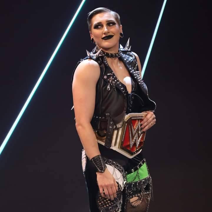 WWE Women Facebook, Facebook photo