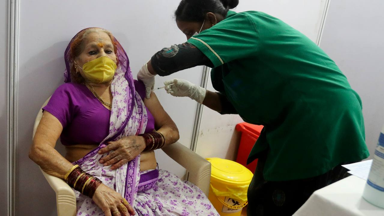 India needs new COVID-19 waves, cases do not peak in weeks: Experts-India News, Firstpost