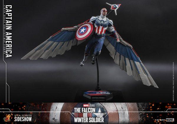 Captain-America-Sam-Wilson-Hot-Toys-4-600x422