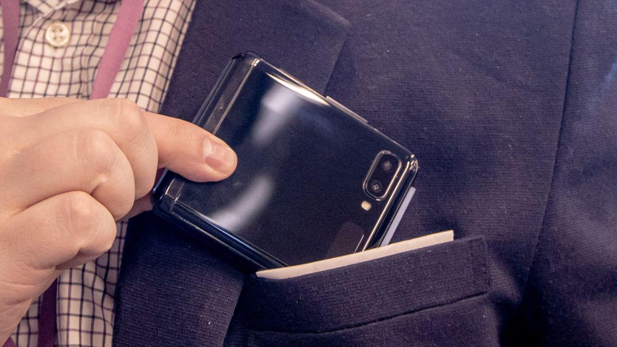 The Samsung Galaxy Z Flip 3 case may finally solve a big problem