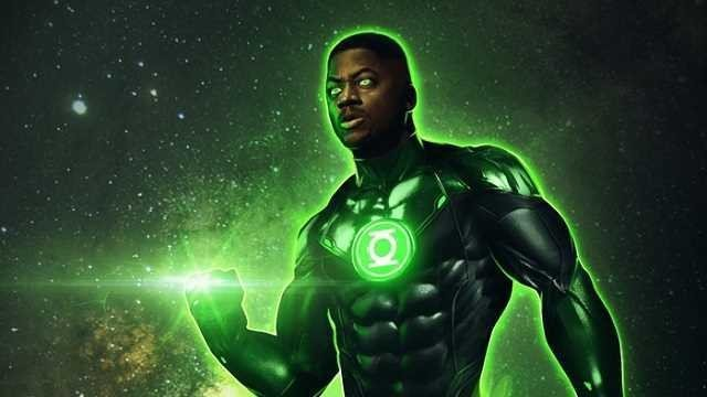 Actor Green Lantern shares behind-the-scenes images of a deleted scene from Zack Snyder's Justice League phone