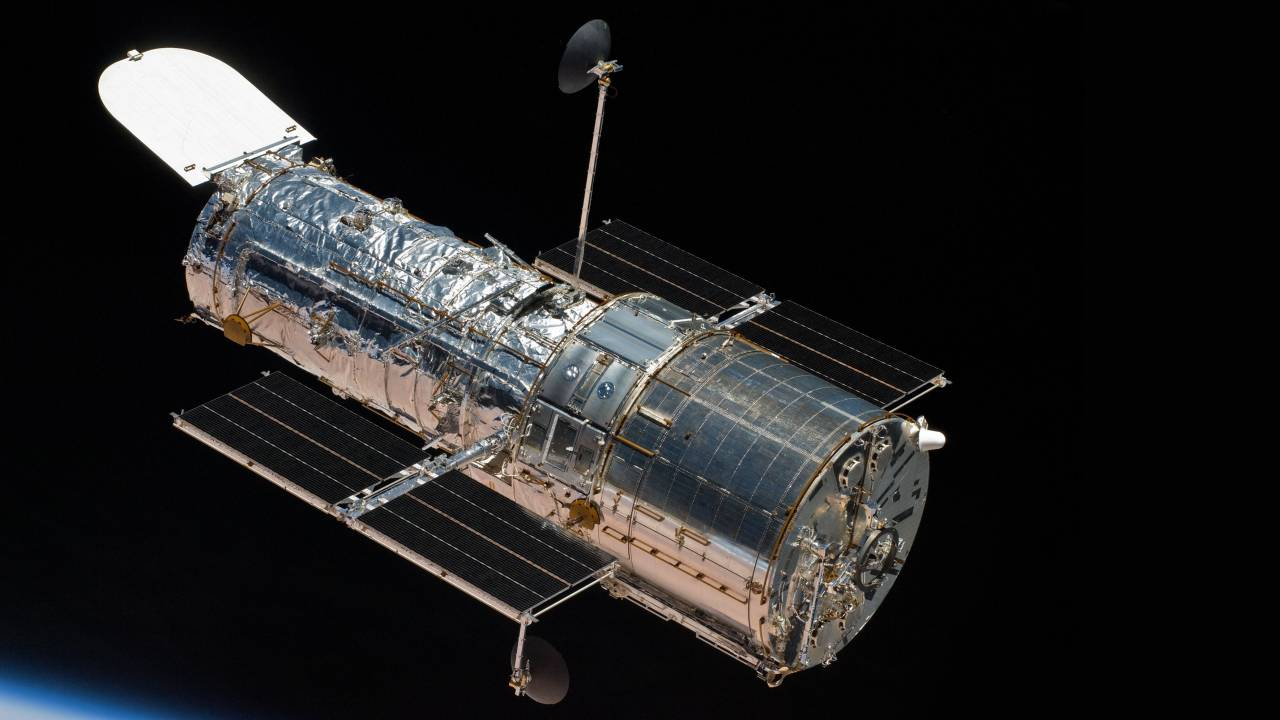 Now see what NASA's Hubble Telescope captured in space during your birthday - Technology News, Firstpost
