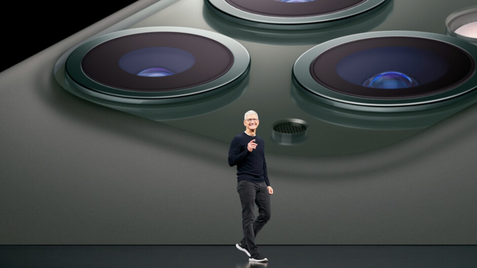 Judge Zings Apple CEO Cook;  Apple does not want to address the concerns of application developers