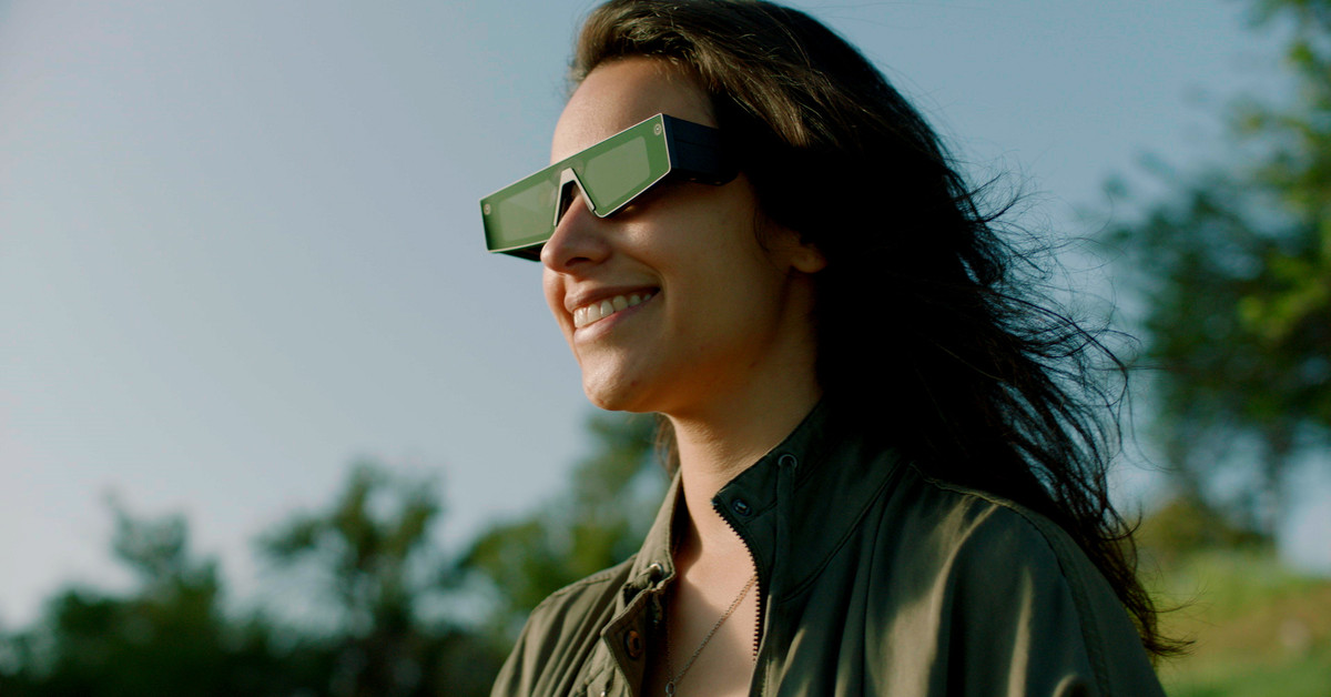 Snap's new glasses let you see the world in augmented reality