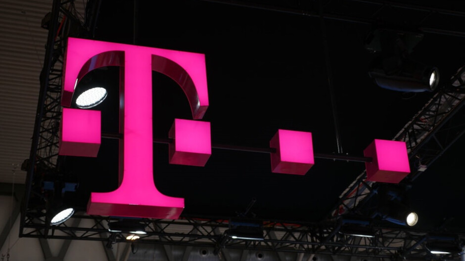 T-Mobile reported the second strong quarter with an increase of 260,000 postpay accounts
