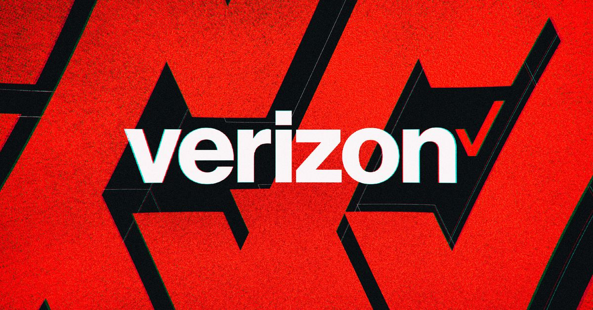 Verizon is offering a free Apple Arcade or Google Play Pass for up to a year