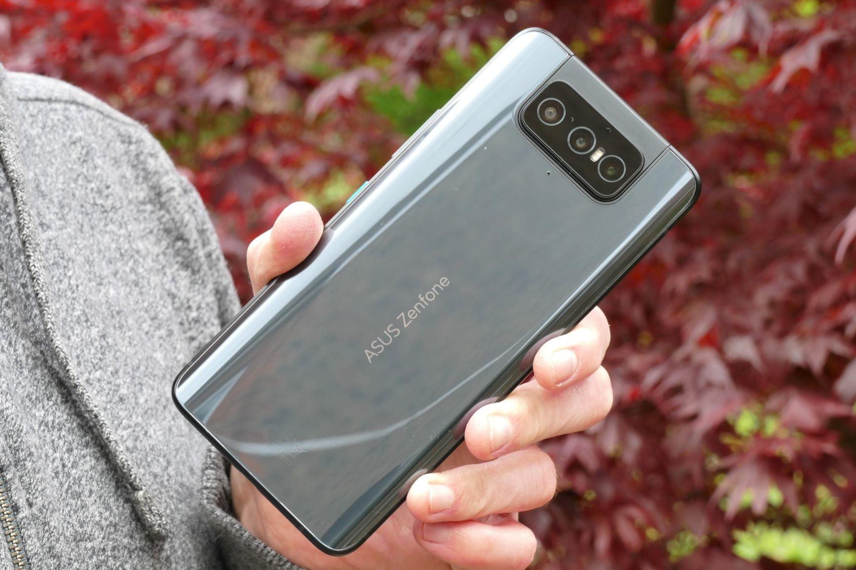 Asus Zenfone Flip Review: The Selfie Master Returns
