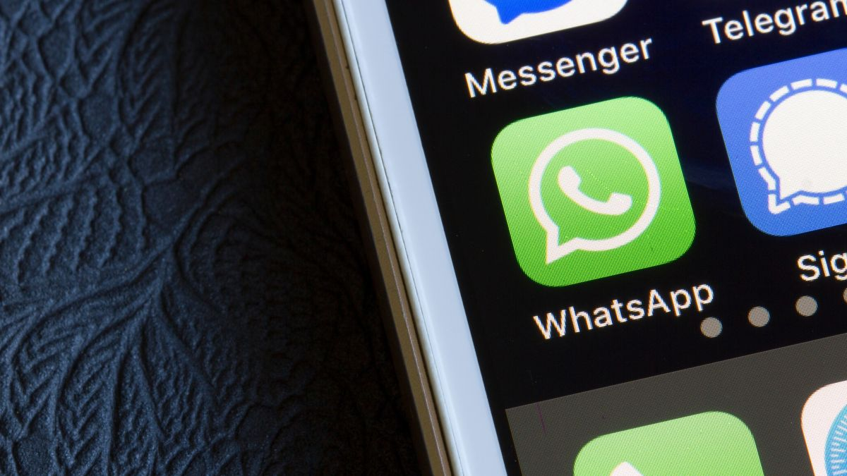 One of the funniest features of WhatsApp is getting a smart update