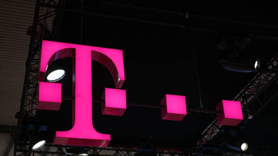 This allows you to try T-Mobile's wireless network for up to 30 days for free