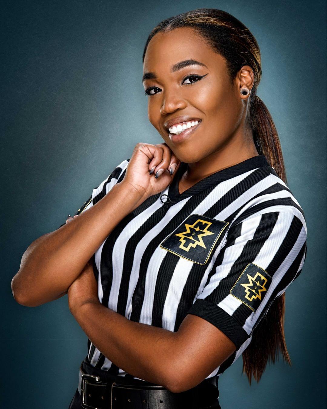 WWE Women 🌈, happy birthday Drive to Smith !!!  🎂🎈