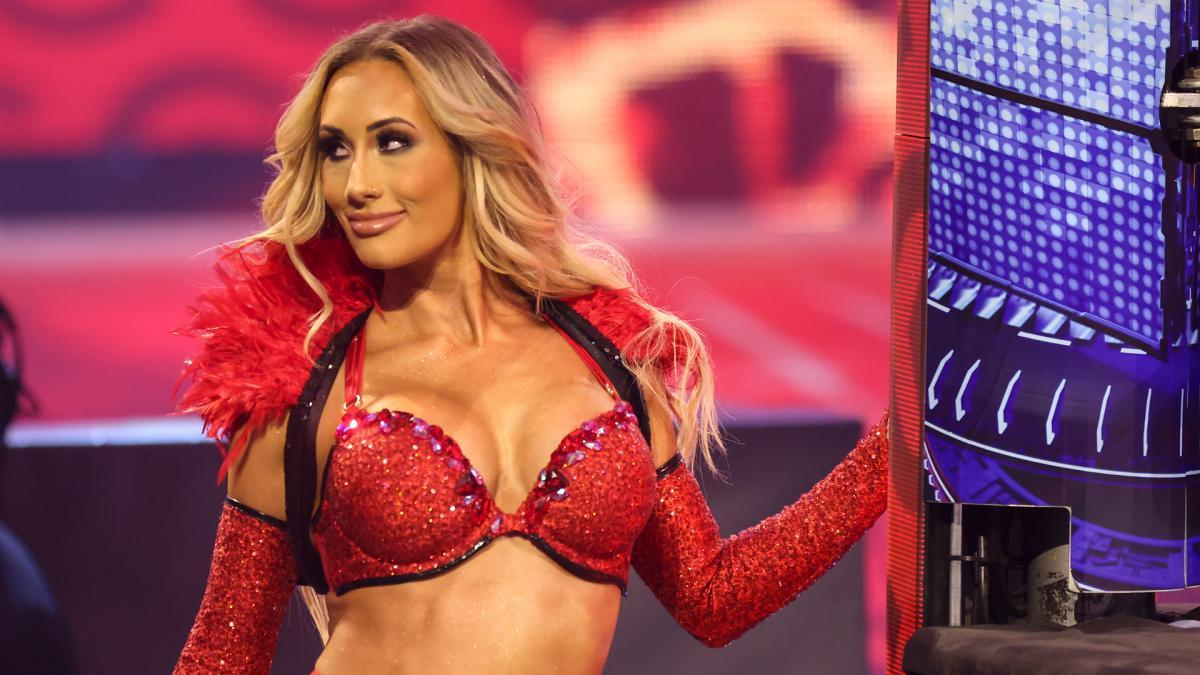 WWE Women 🌈, Carmella: Friday Night Smackdown 4.6 / 21