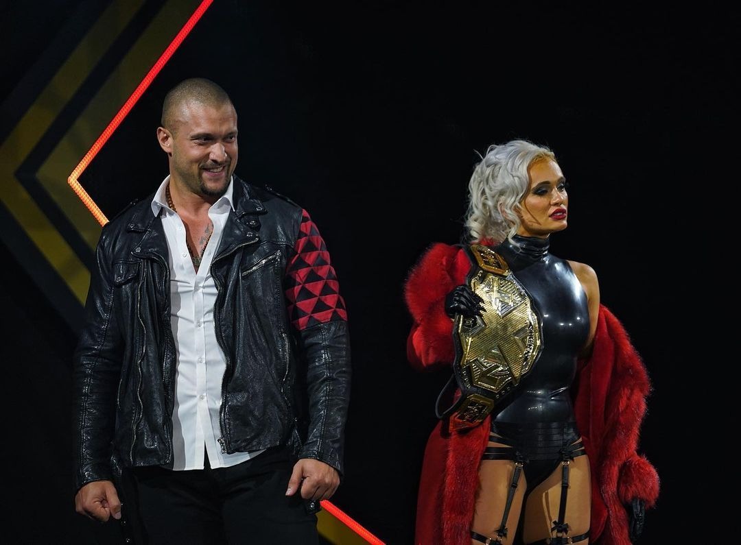 WWE women â�, â� Scarlett and Karrion Kross â�