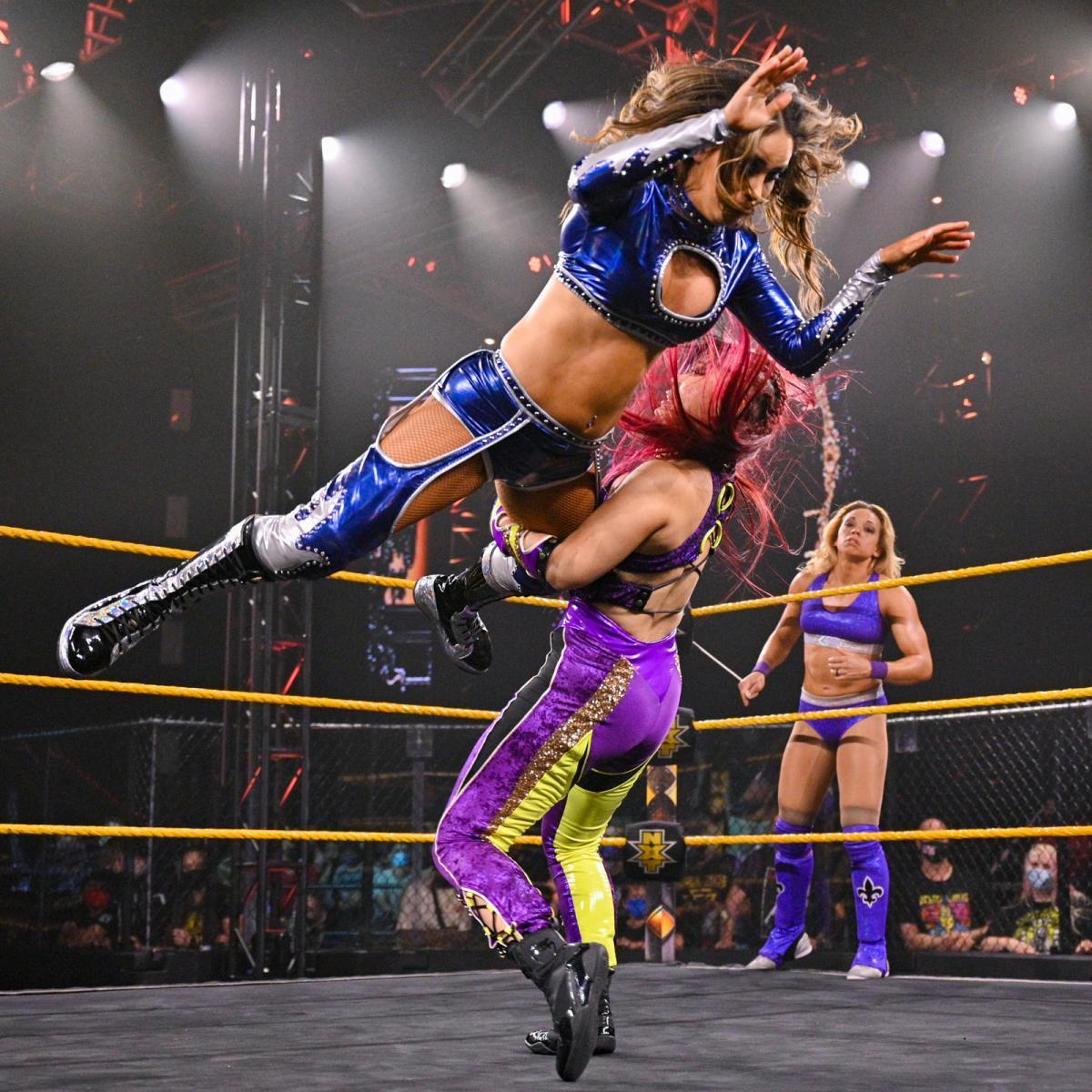 WWE Women 🌈, Io Shirai and Zoey Stark vs Aliyah and Jessi Kamea ...