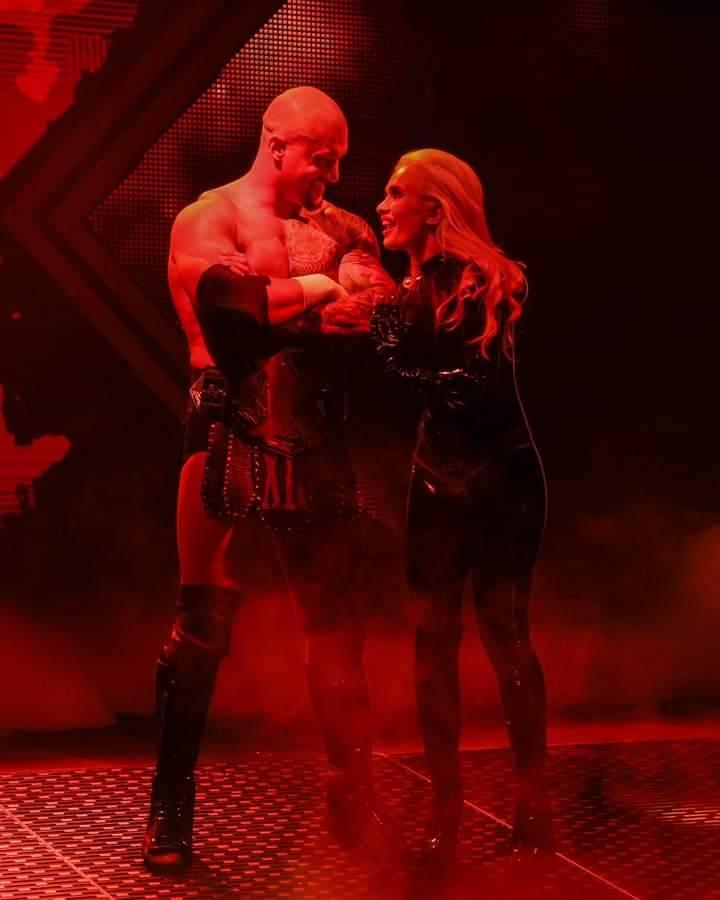 WWE Women Facebook, Facebook pictures