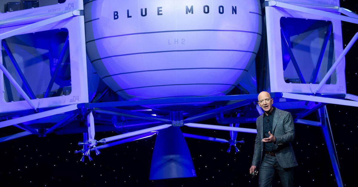 Jeff Bezos offers NASA $ 2 billion to choose Blue Origin moon landing in last-minute petition
