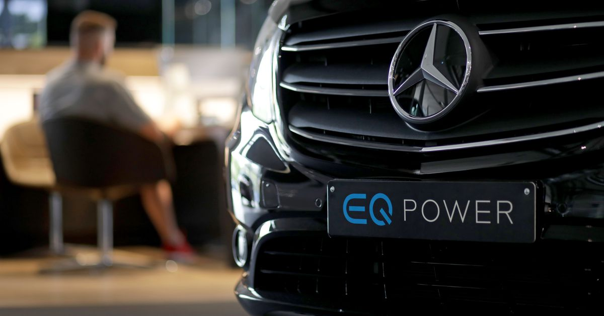 Mercedes-Benz says it will be fully electric in 2030, but it has a big caveat