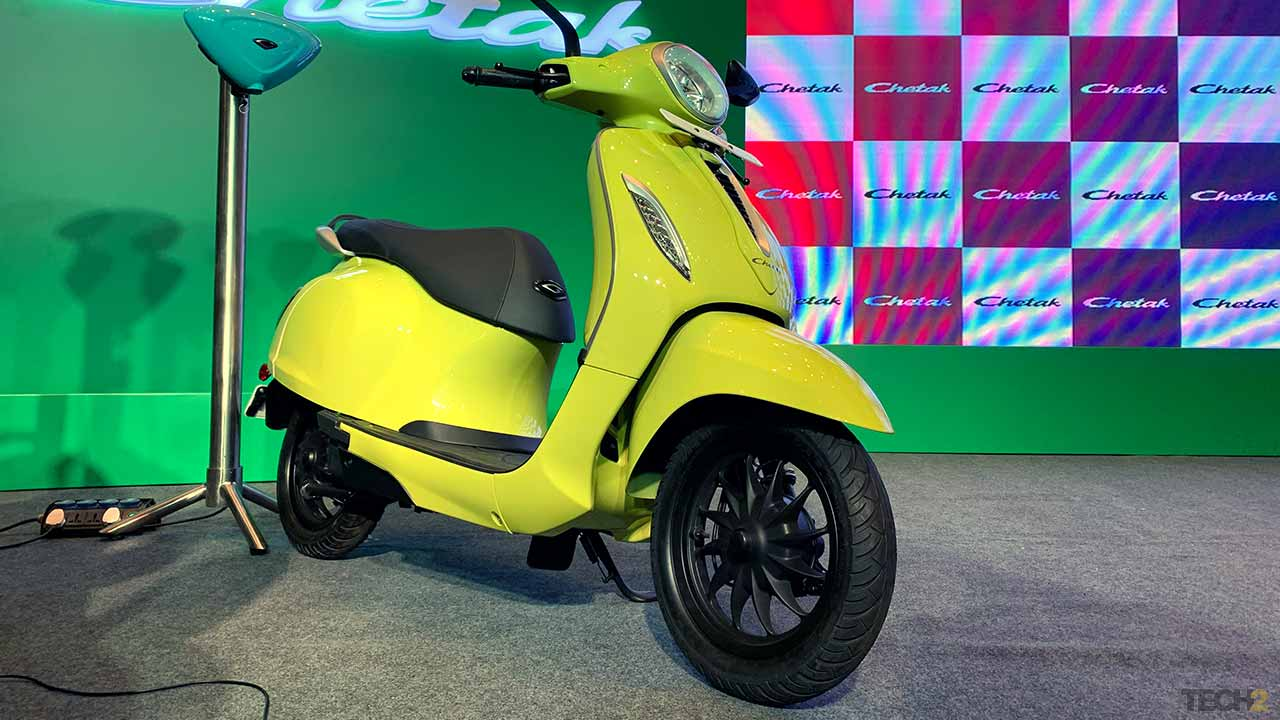The price difference between the two Chetak variants is only Rs 2,000.  Photo: Tushar Burman / tech2