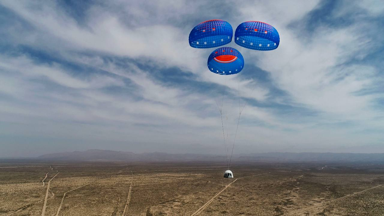 New Shepard Crew Capsule descends from space on Mission NS-15. Image credit: Blue Origin