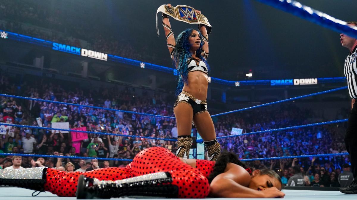 Bianca Belair & amp;  Sasha Banks v Carmella & amp;  Zelina VegaSmackDown: July 30, 2021
