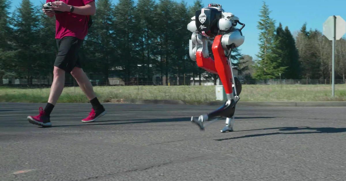 See how a two-legged robot drives the first 5K ever