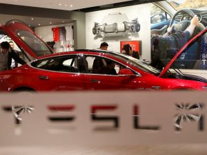 Tesla records record deliveries of more than 200,000 vehicles as semiconductor shortage tests - Technology News, Firstpost