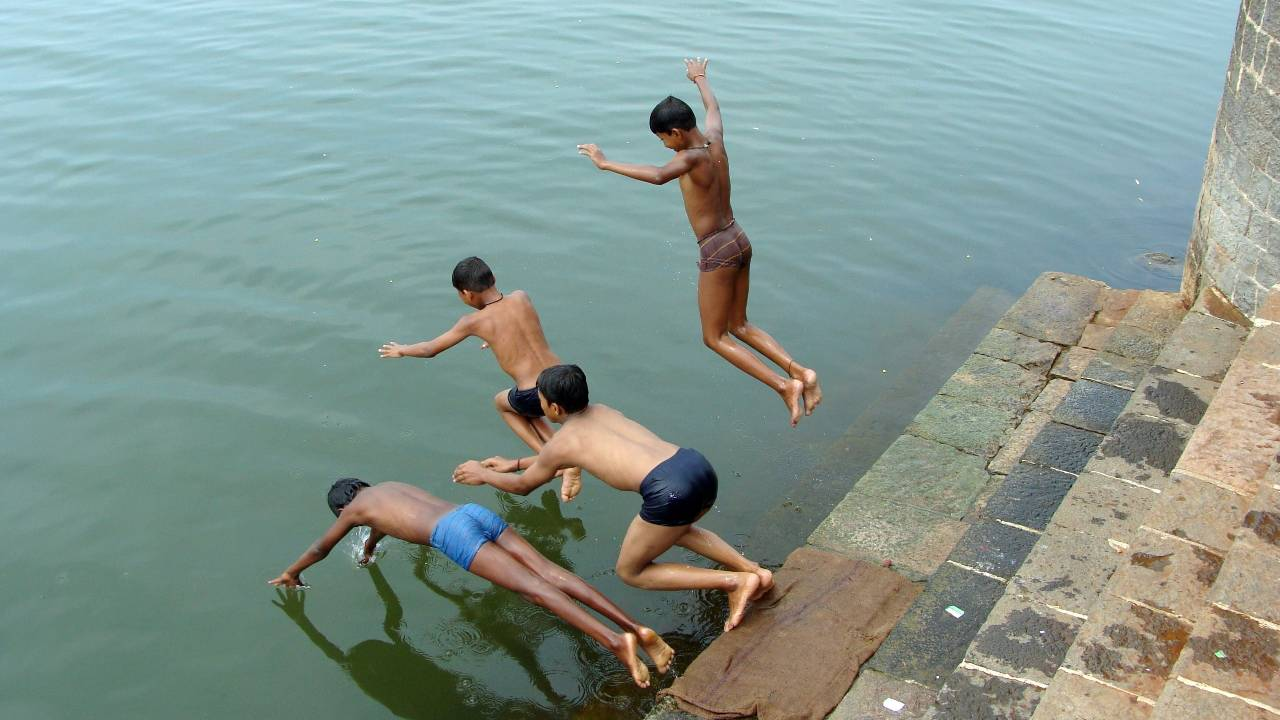 India's poor can't afford to beat the country's rising temperatures - India News, Firstpost