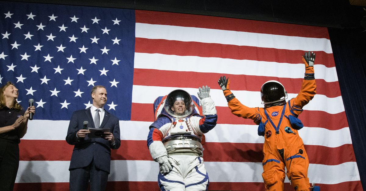 NASA's new space suits are delayed, so a fall to 2024 is not possible
