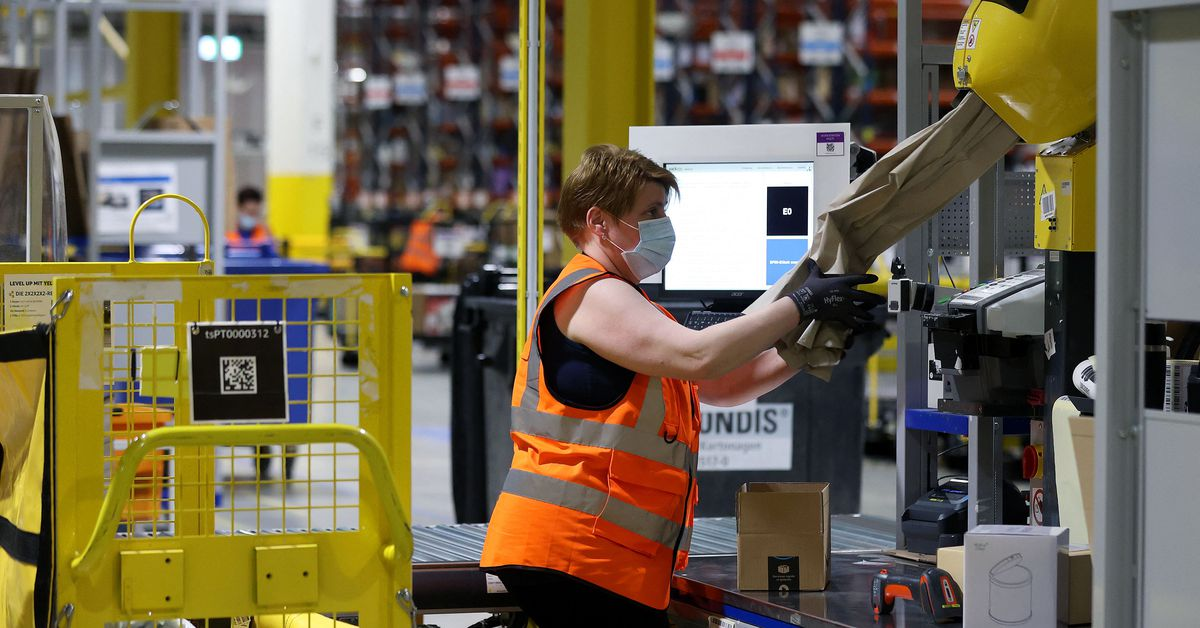 U.S. Amazon warehouse workers have to reuse masks